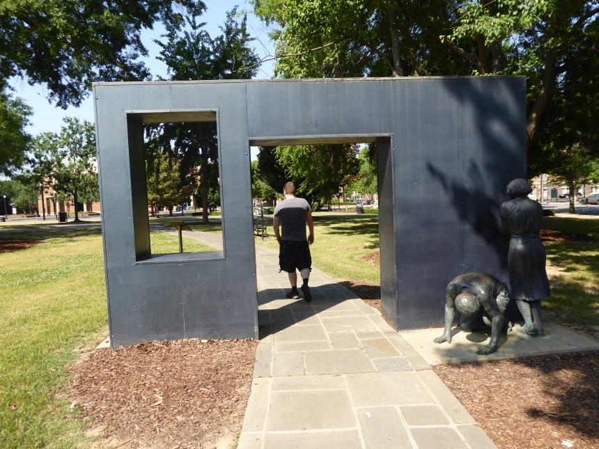 Monument of using high-pressure fire hoses on protestors in the Civil Rights Movement