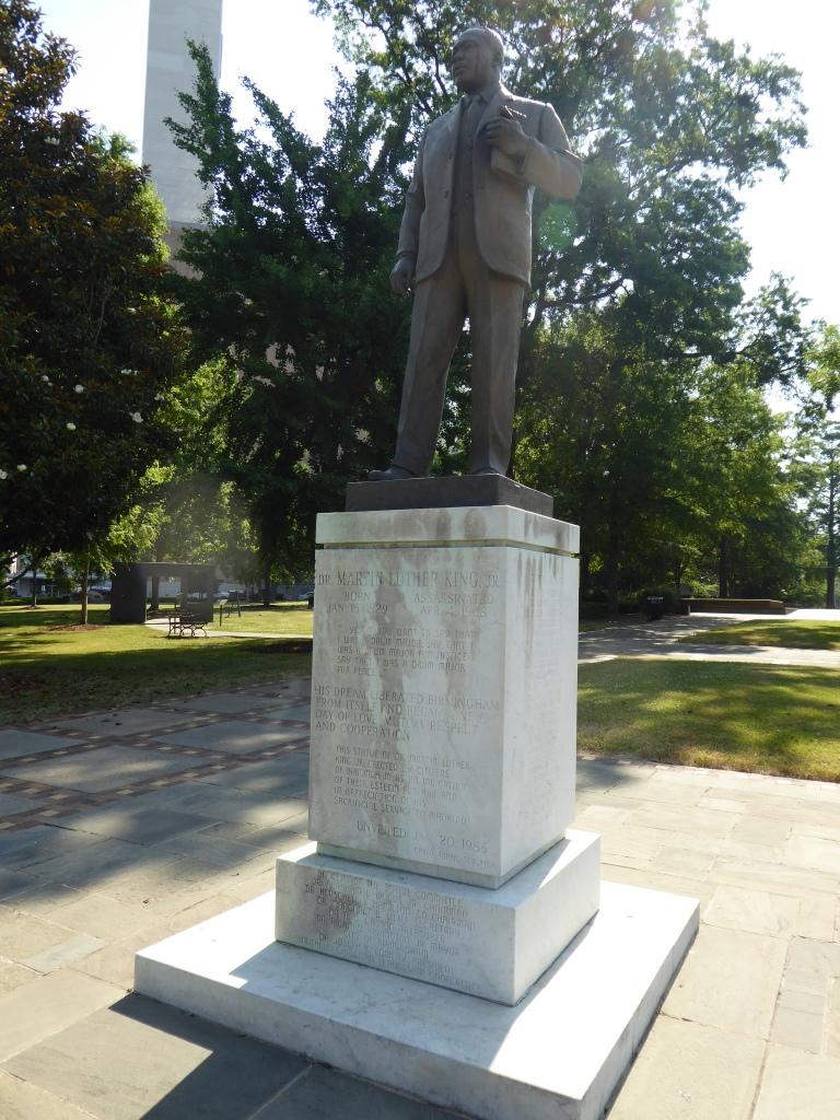 Statue of Martin Luther King Jr in Kelly Ingram Park